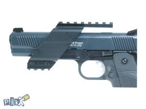 Metalni univerzalni nosac za pistolj