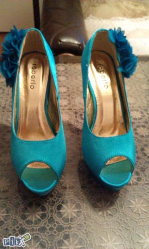Svijetlo plave cipele svecane snizene  na 35