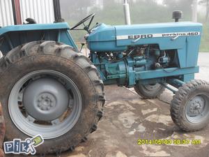 Traktor Perkins  EBRO 460 E