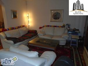 Ciglane , stan sa bastom,102 m2 na prodaju!