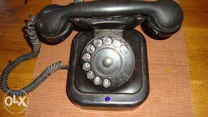 Bakelitni impulsni telefon